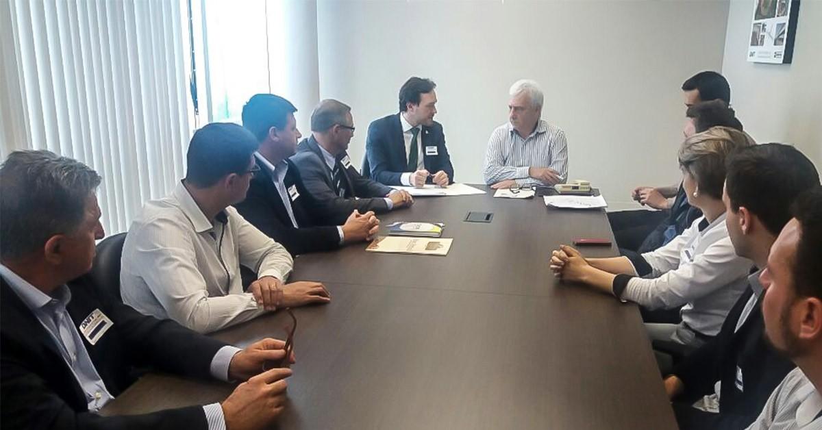 Deputado Vinicius Ribeiro cobra liberação parcial da BR116 em reunião com o DNIT