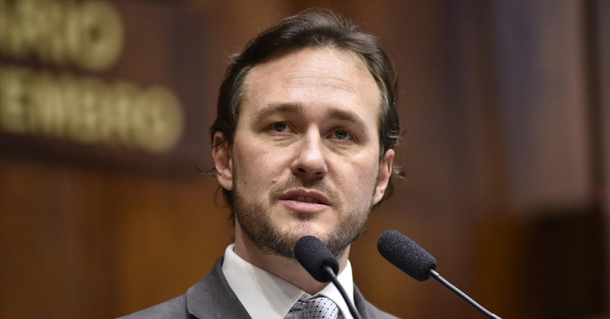 Deputado Vinicius Ribeiro protocola três novos projetos de lei