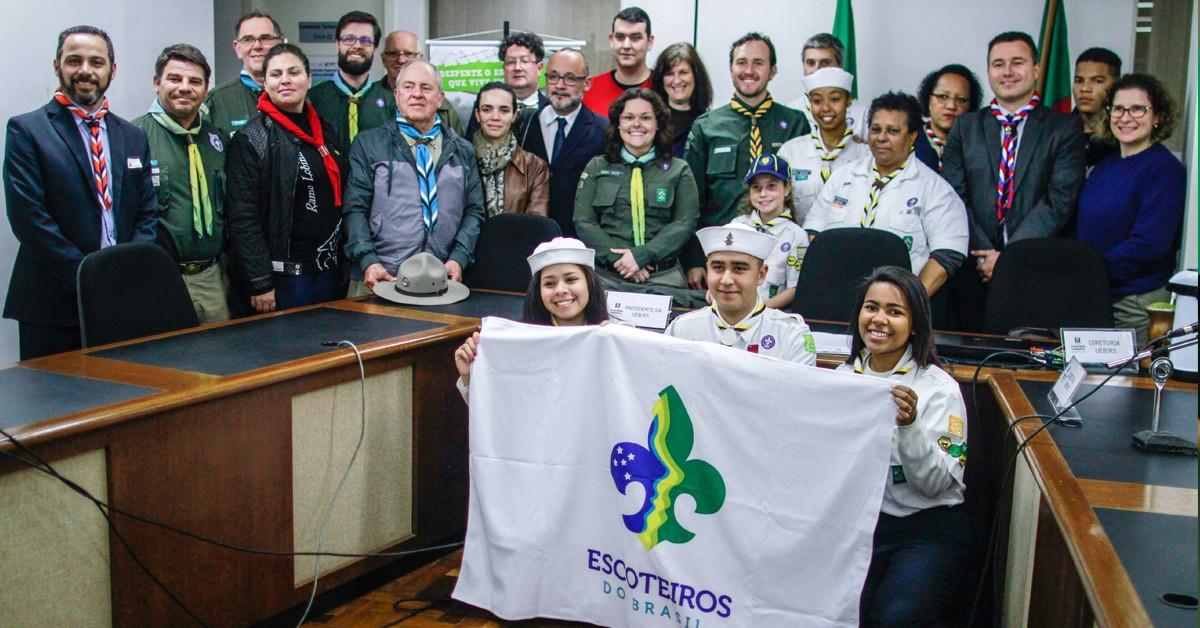 Vinicius lança a Frente Parlamentar Escoteira