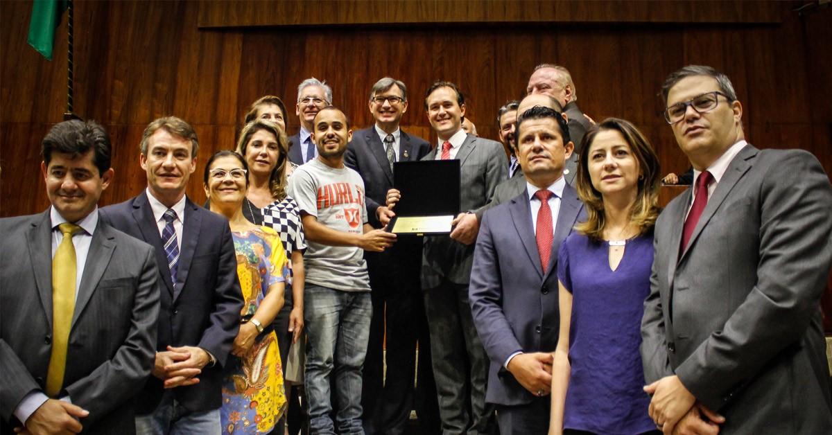Vinicius Ribeiro presta homenagem aos 50 anos da Universidade de Caxias do Sul