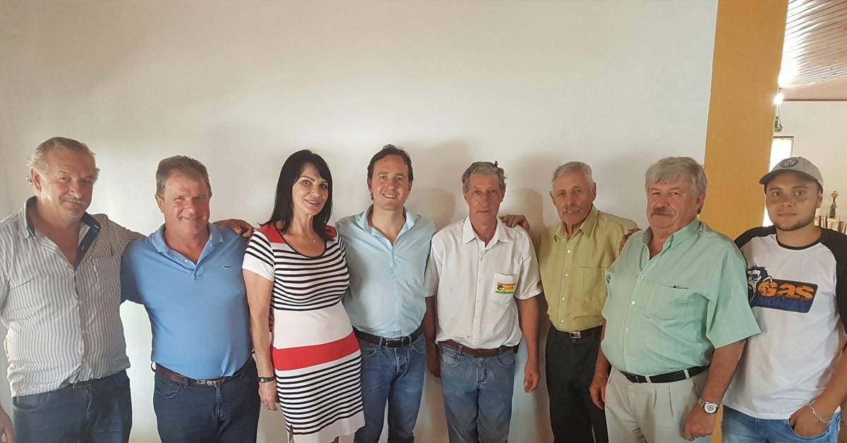 Vinicius Ribeiro realiza encontro com lideranças do PDT em Nova Pádua