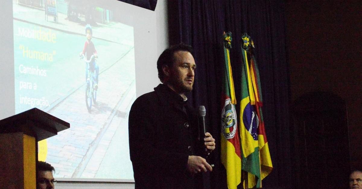 Vinicius fala sobre desafios da mobilidade e da Região Metropolitana da Serra Gaúcha